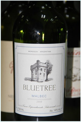 Blue_Tree_Malbec_2010.jpg
